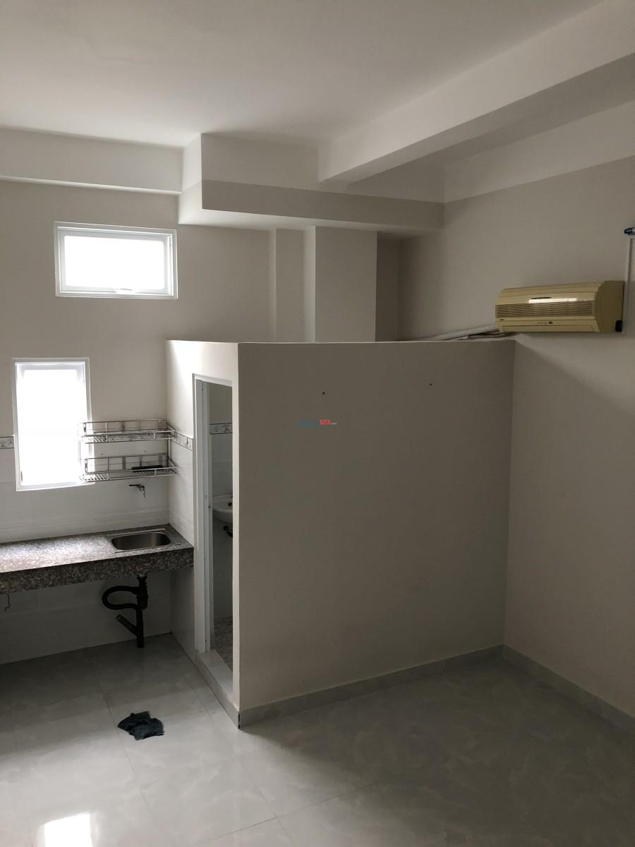 Phòng cho thuê 20m vuông Âu Dương Lân, P.2, Q.8