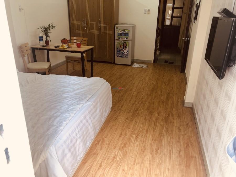 Phòng FULL NỘI THẤT 30m² sàn gỗ, BẾP & TOILET RIÊNG, GIỜ TỰ DO, đường rộng 10m Trường Sa