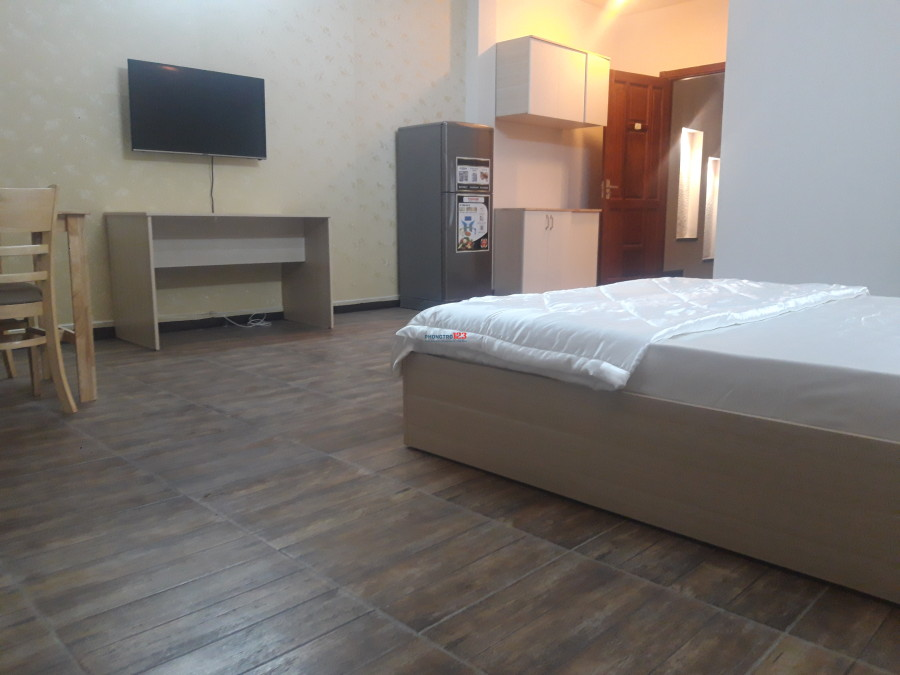 33 studio for rent in Giang giang, p, 2 Tan Binh (opposite the airport gate)