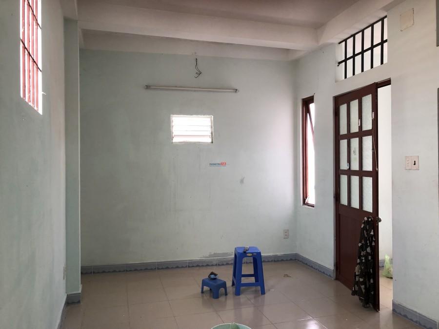 Phòng cho thuê thoáng mát sát bên chợ Phạm Văn Hai, Q.Tân Bình