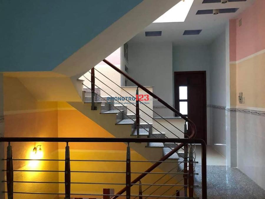 Phòng nhà NC giờ tự do, xinh, sạch, đẹp, ở kiểu gia đình, tiện ích nhiều, gần Đầm Sen
