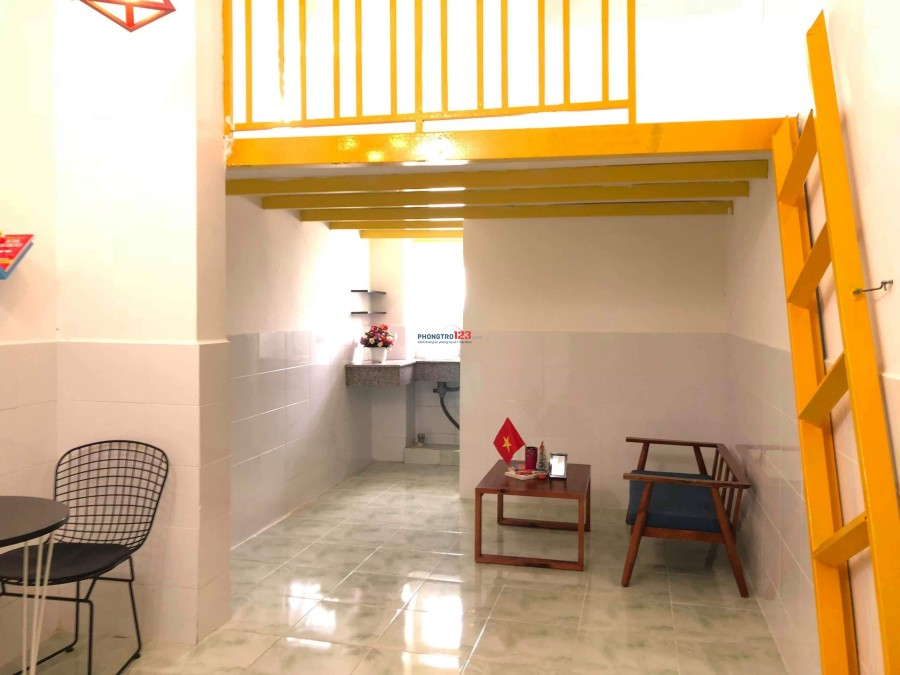 Chính chủ cho thuê phòng 28m2 ngay gần chung cư Phúc Yên, Tân Bình. Giá chỉ từ 3tr6/tháng