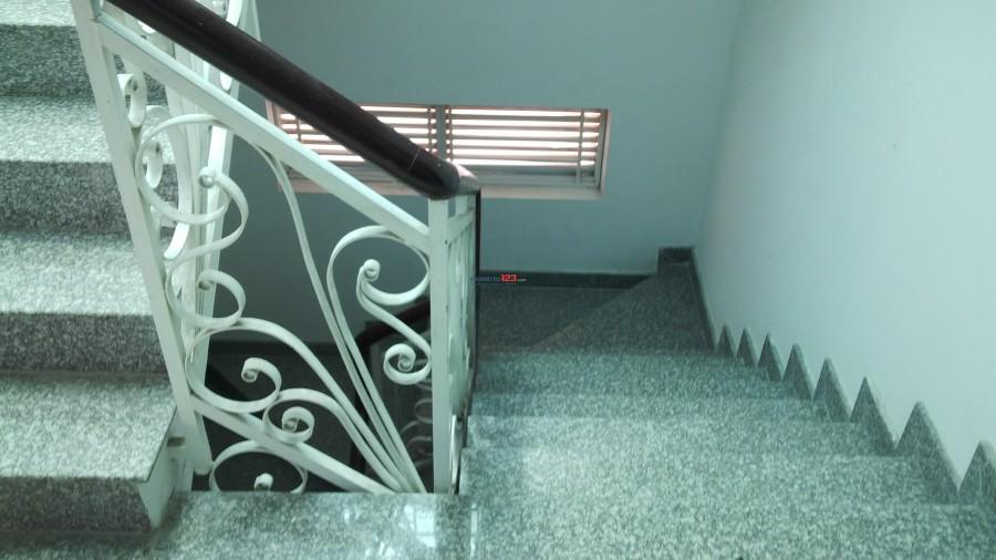 Cho thuê phòng đẹp, toilet riêng, như căn hộ, Bùi Văn Ba, Quận 7