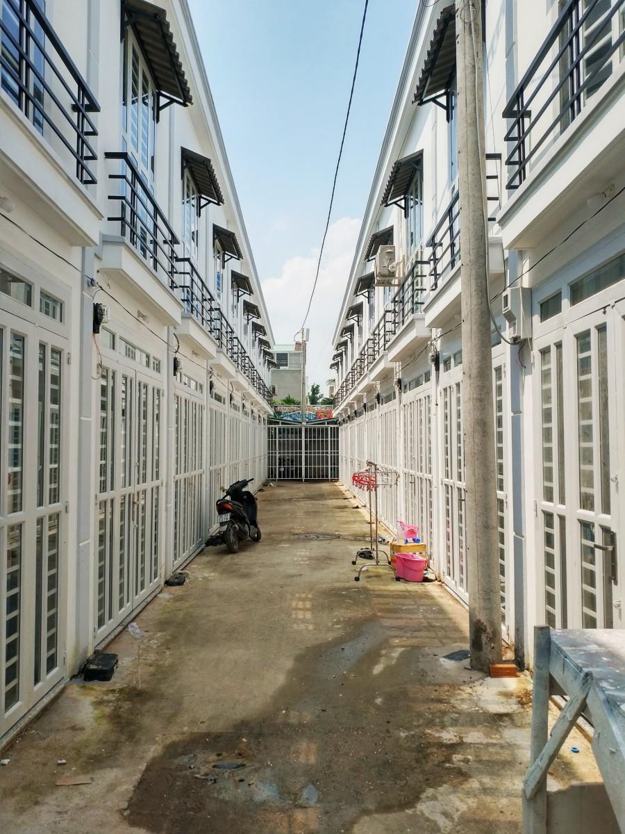 Cho thuê nhà 1 trệt 1 lầu TL40, cách đường Hà Huy Giáp 200m, Q.12