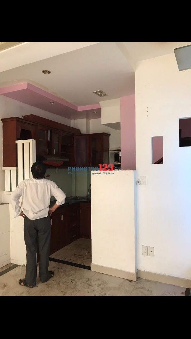 Cho thuê nhà mặt tiền số 246 đường Nguyễn Thượng Hiền, Phường 5, Phú Nhuận