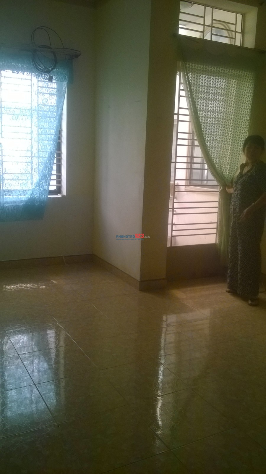 Cho thuê tầng 2-diện tích (4m x 8m) để ở hoặc mở văn phòng công ty