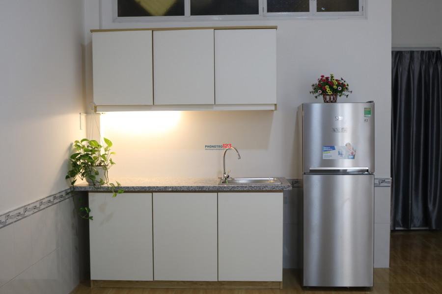 Cho thuê căn hộ mini mới xây full nội thất, 25m2, giá 5.5tr/tháng, có thang máy cạnh chung cư Bộ Công An, Quận 2