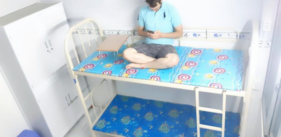 Ở ghép cao cấp, nội thất, bếp, toilet ban công, cử sổ trong phòng. Giáo viên nước ngoài dạy English miễn phí