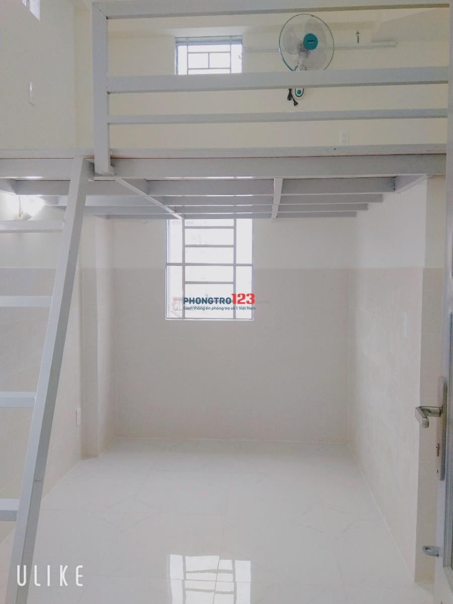 Phòng trọ có gác cao cấp gần Nguyễn Hữu Thọ, mới xây, giờ giấc tự do