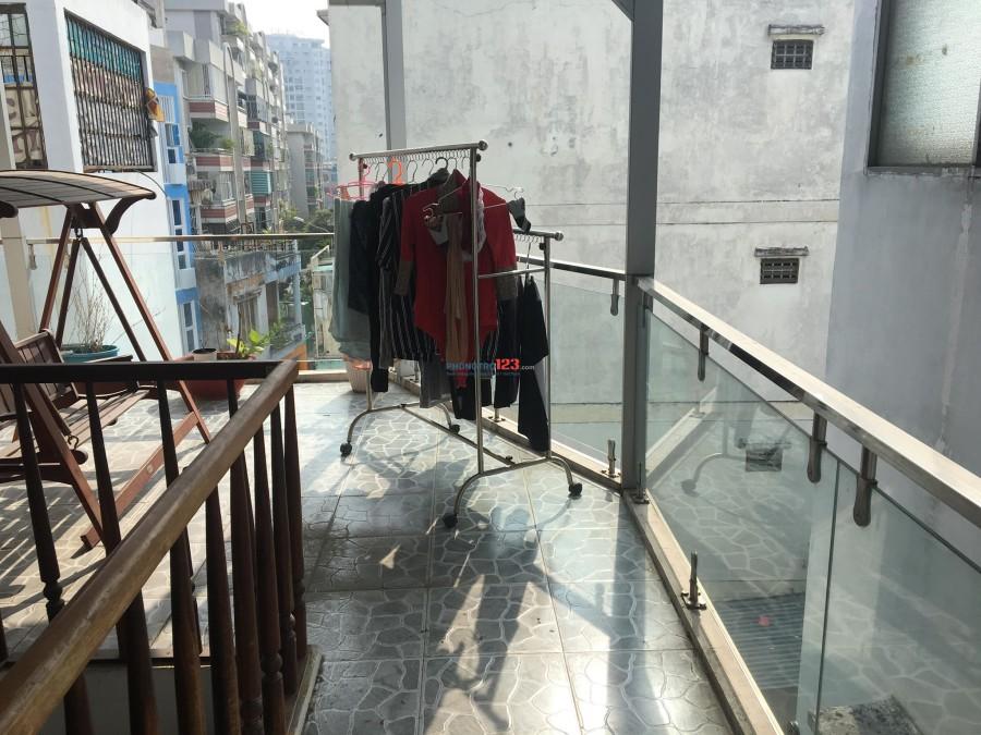 Tìm 1 nữ ở ghép khu Phan Xích Long, có thể dọn vào trong tuần này