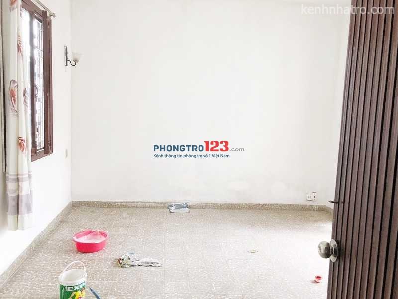 Phòng trọ NỮ Q3 có ban công, chỗ nấu ăn, để xe free 3tr4/tháng