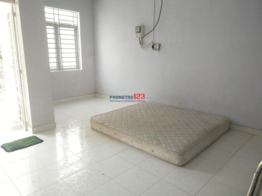 Cho thuê nhà nguyên căn gần vòng xoay Phạm Văn Đồng, Linh Đông, Thủ Đức