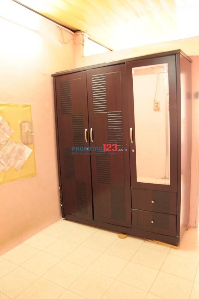 Nhà nguyên căn an ninh, rộng không ngập nước kv trung tâm Bình Thạnh cần 2 nam ở ghép 1,5tr/th/ người