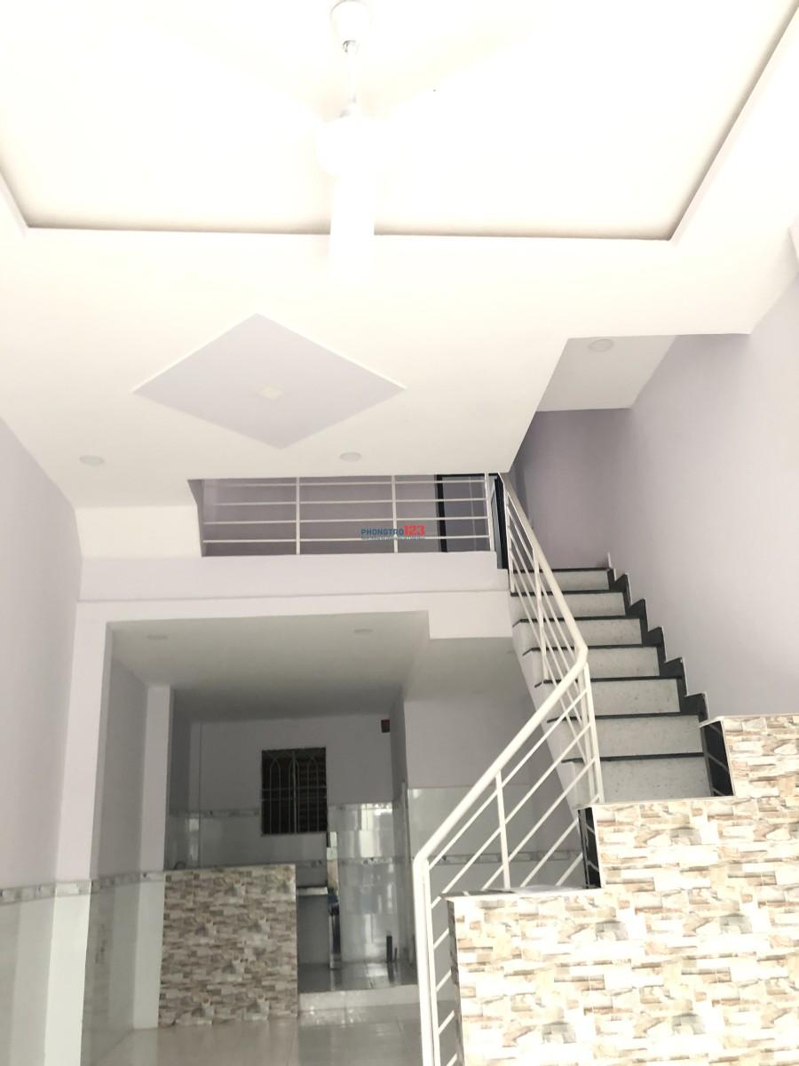 Cho thuê nhà 1 trệt 1 lầu sân thượng  3PN 11tr/tháng