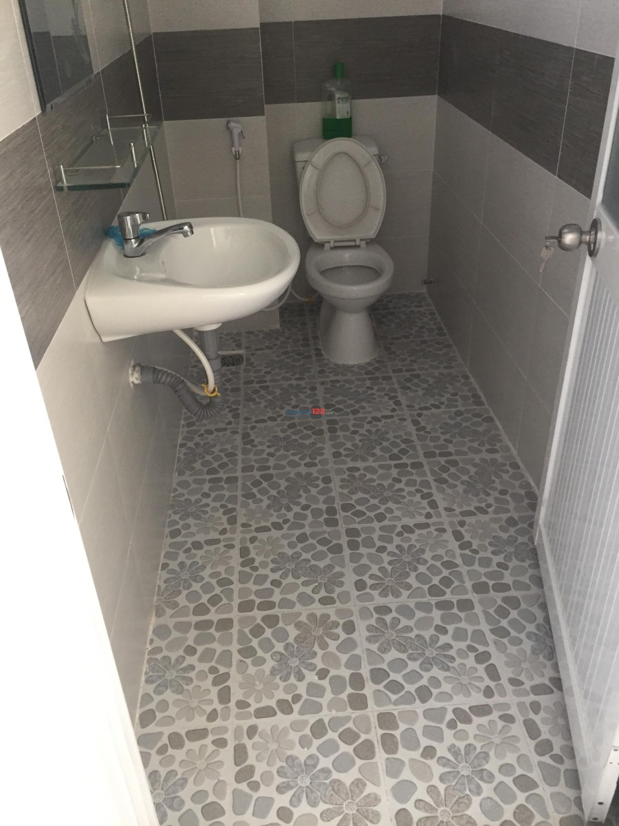 Phòng rộng, mới sạch 28m2 Cư xá Phú Lâm A, Quận 6