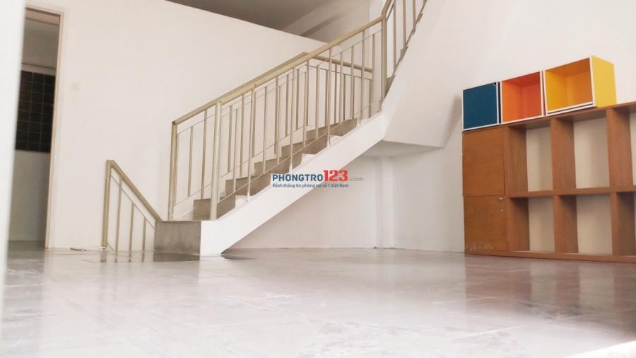Cho thuê nhà HXH 338/17 Nguyễn Đình Chiểu, Q.3 1Tr2L3PN 120m
