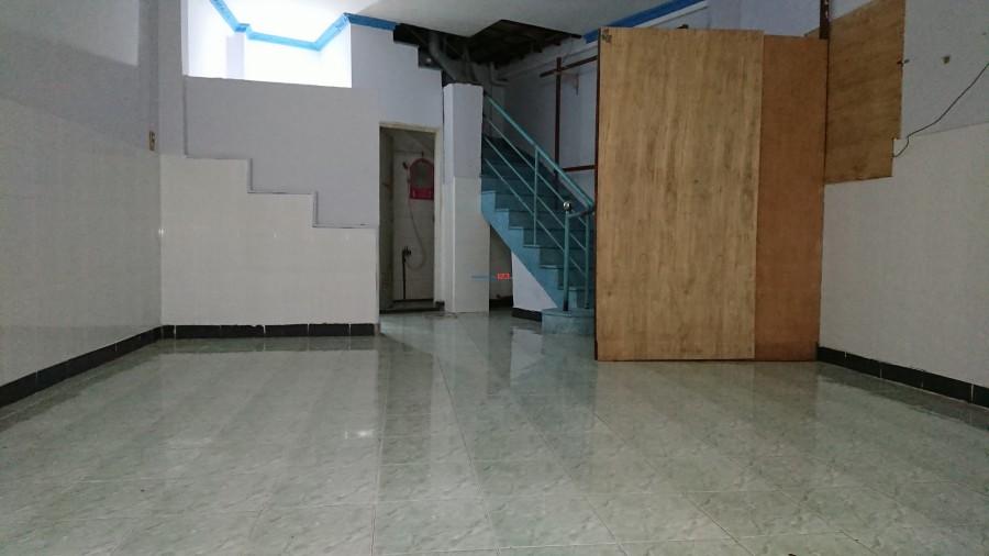 Phòng trọ 30m2 gần cầu chữ Y có sân riêng