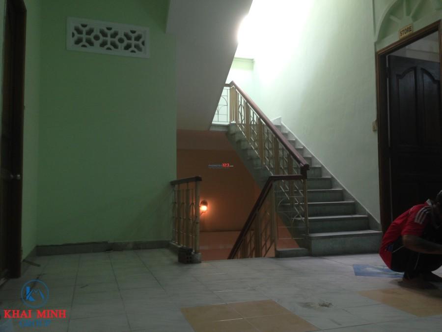Phòng đẹp, rộng rãi - có ban công, gần ĐH Hutech, Đường D2, Bình Thạnh