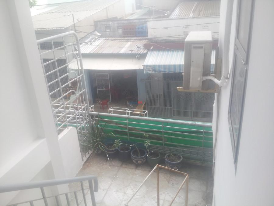 Phòng trọ 4/5 Bàu Cát 1, Tân Bình, có cửa sổ, ban công, máy lạnh