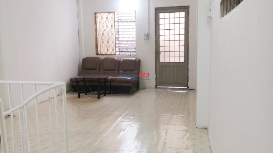 Cho thuê nhà 3.2x11.6m 2 lầu HXT 89/30 Huỳnh Văn Bánh, thông chợ Phú Nhuận 15.8tr