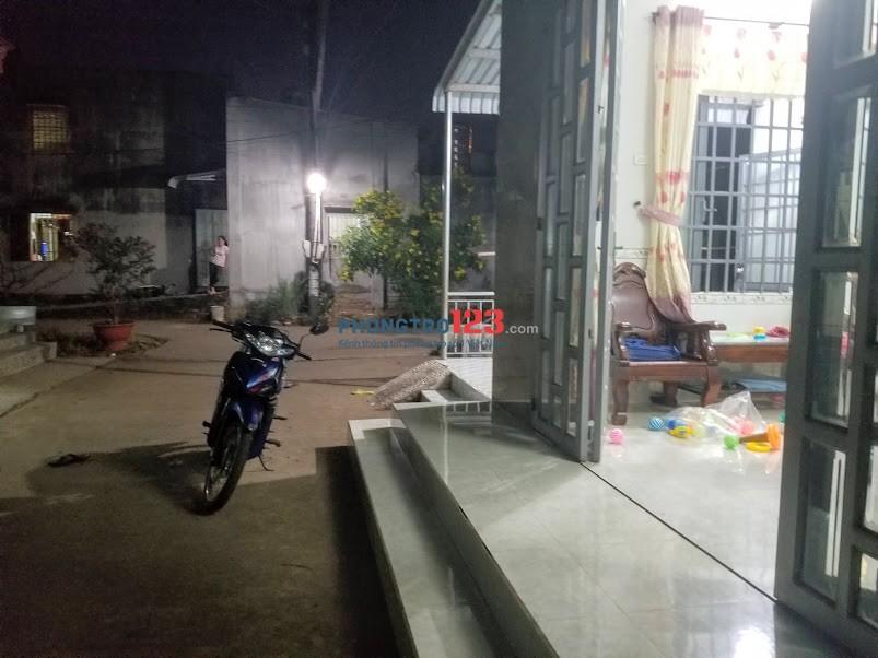 Chính chủ cho thuê nhà 103m2, xã Bầu Hàm, huyện Trảng Bom, Đồng Nai. Giá 2 triệu/tháng thỏa thuận.