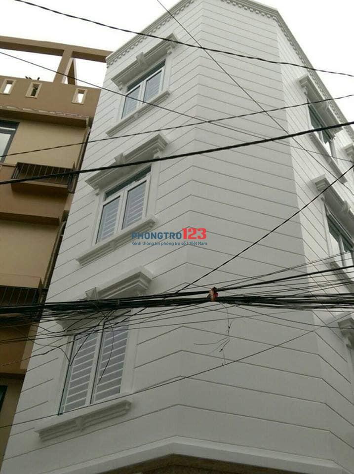Nhà mới xây, sạch đẹp, thoáng mát, ngay trung tâm Sài Gòn. 167/2/1 Ngô Tất Tố, P.22, Q. Bình Thạnh. ĐT: 094.505.4299 (Thu)