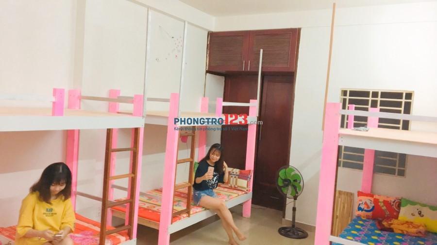 Còn trống 2 giường KTX, wc riêng, bếp, ban công, đối diện ĐH Bách Khoa- Lý Thường Kiệt