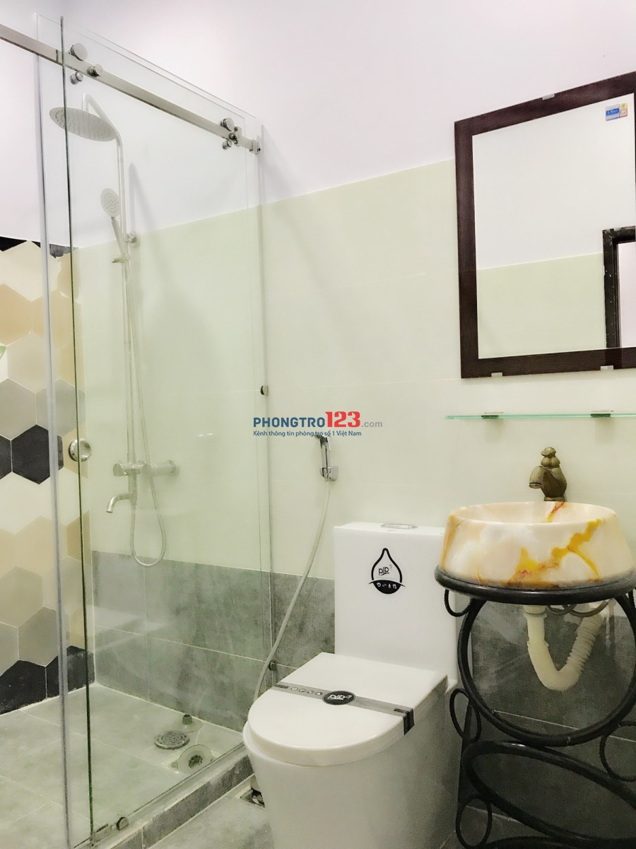 Phòng trọ 30m2 Nguyễn Thượng Hiền, Bình Thạnh + Ban công + full nội thất