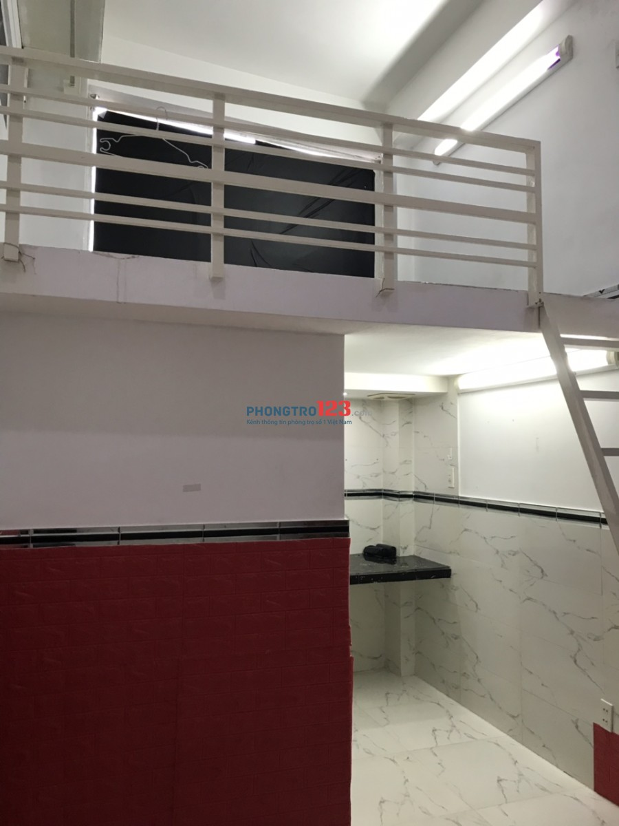 Phòng mới xây có gác cao, máy lạnh rộng rãi 30m2, 287/5A Âu Dương Lân, Q.8. LH: Nhân sđt 0946616168