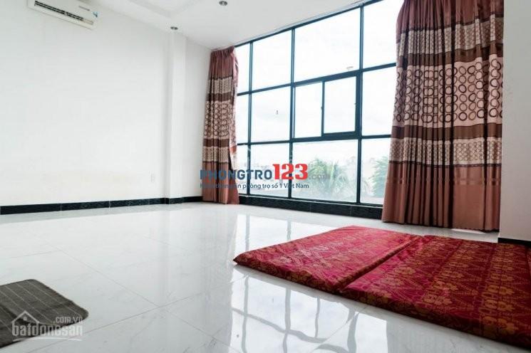 Phòng Q11 tiêu chuẩn 3*, chăm sóc khách bằng công nghệ mới