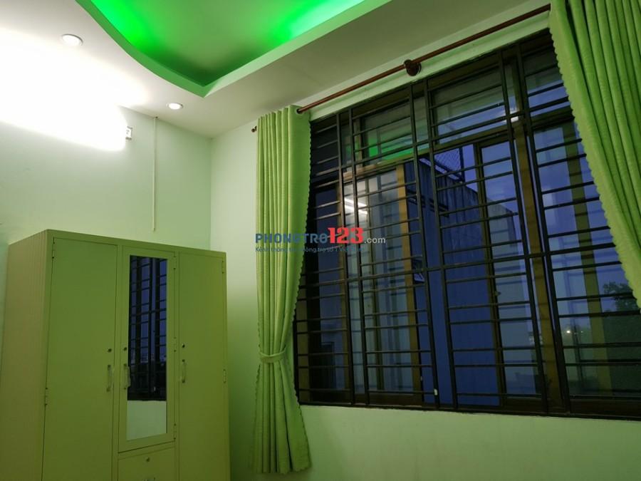 Phòng gần ĐH Công Nghiệp và Văn Lang đủ tiện nghi, giờ tự do. Giá 2tr9