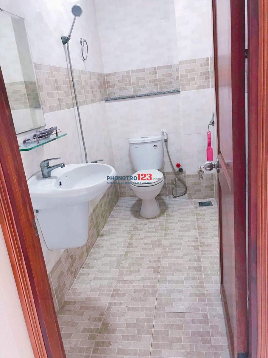 Còn 1 phòng giá rẻ trong nhà nguyên căn sạch đẹp