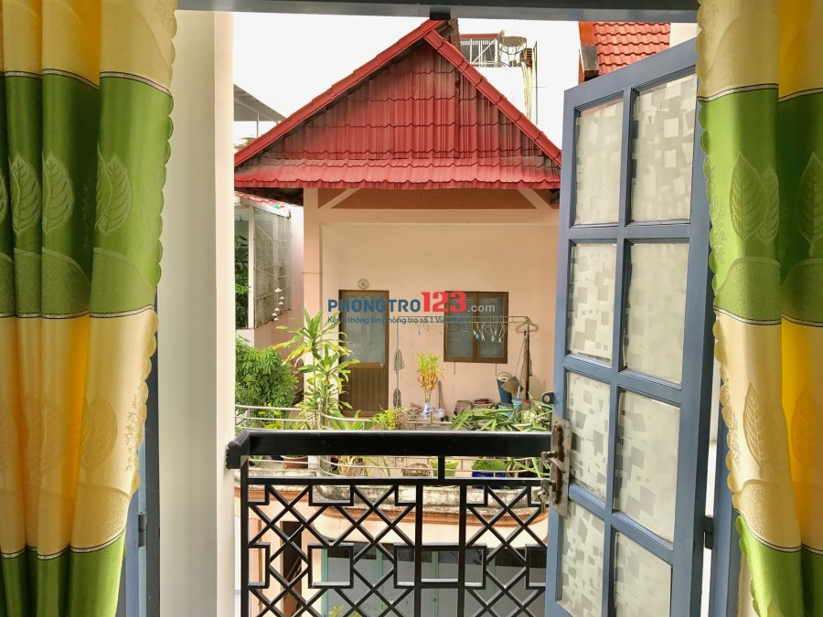 Phòng trọ Cù Lao, Phú Nhuận + nội thất + Ban công, cửa sổ