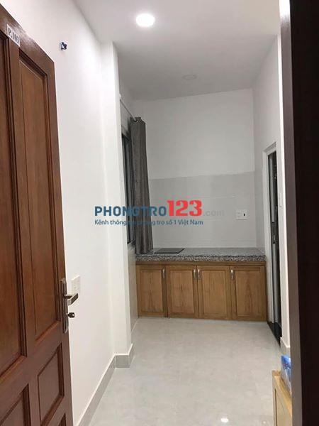 Phòng mới xây đầy đủ tiện nghi Lý Chính Thắng, Q.3, giá 3,5tr