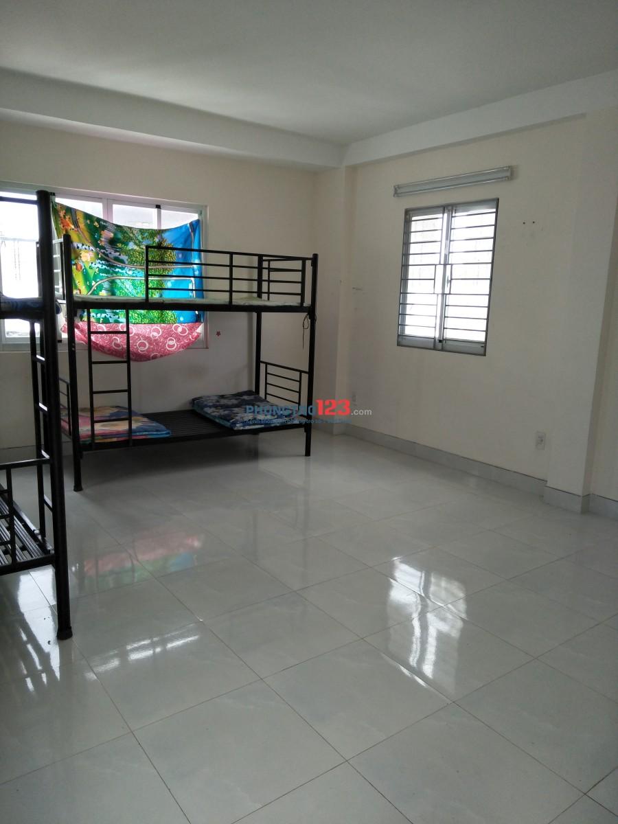 Phòng đẹp thoáng, 30m2, 4,2tr, Nguyễn Hồng Đào, Tân Bình