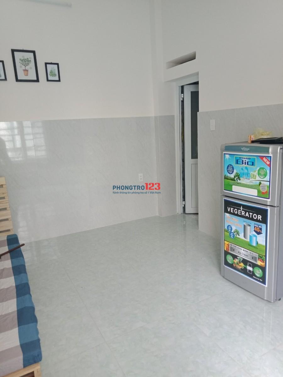 Phòng Mới Xây Dựng Rộng 30 m2, Full Nội Thất tại Hoàng Văn Thụ (ngay Lê Văn Sỹ)