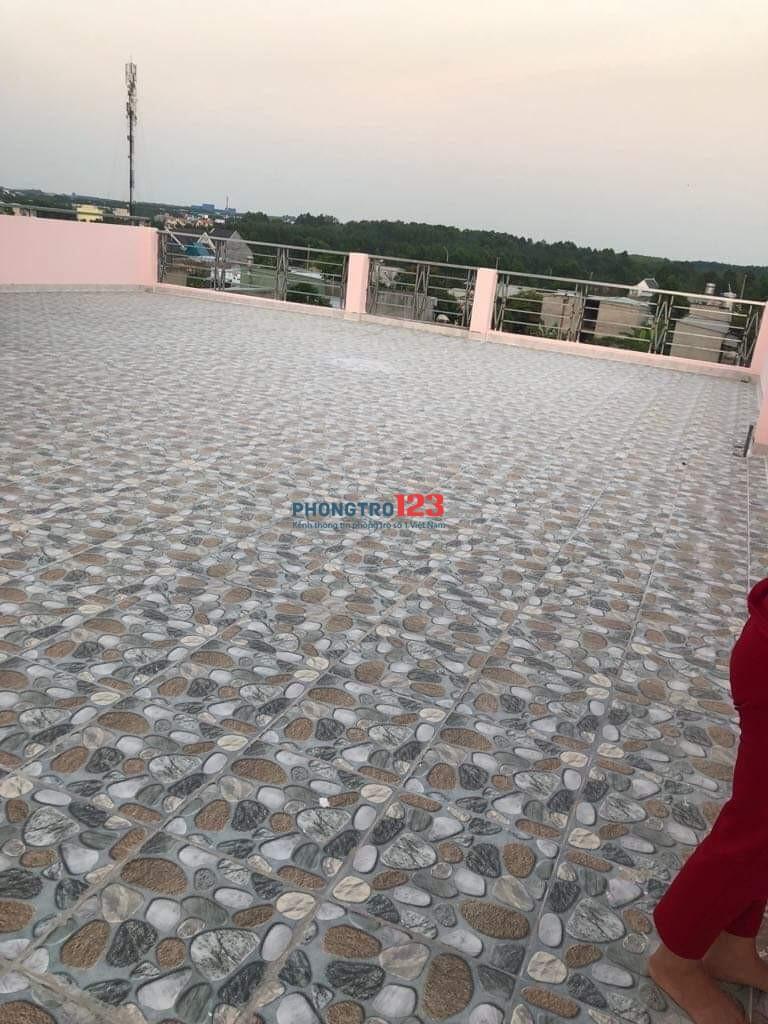 Cho thuê phòng trọ 40m2 cùng sân thượng 160m2