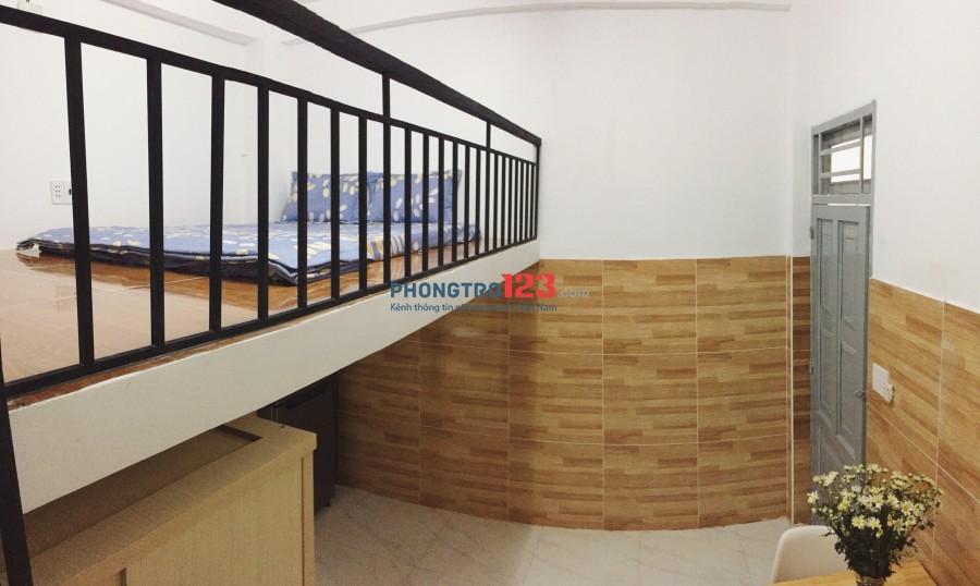 Phòng có gác đầy đủ nội thất 30m2 có ban công, thoáng mát