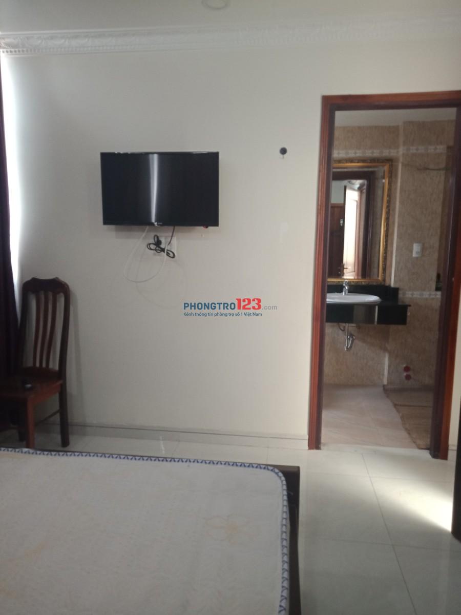 Cho thuê phòng full nội thất gần đường Nguyễn Văn Nguyễn - Q.1, giá 6tr/phòng. LH: 0909921790