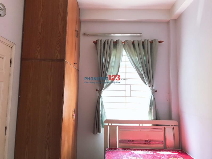 Phòng 30m2 full nội thất Quận 1. Giá 4tr4