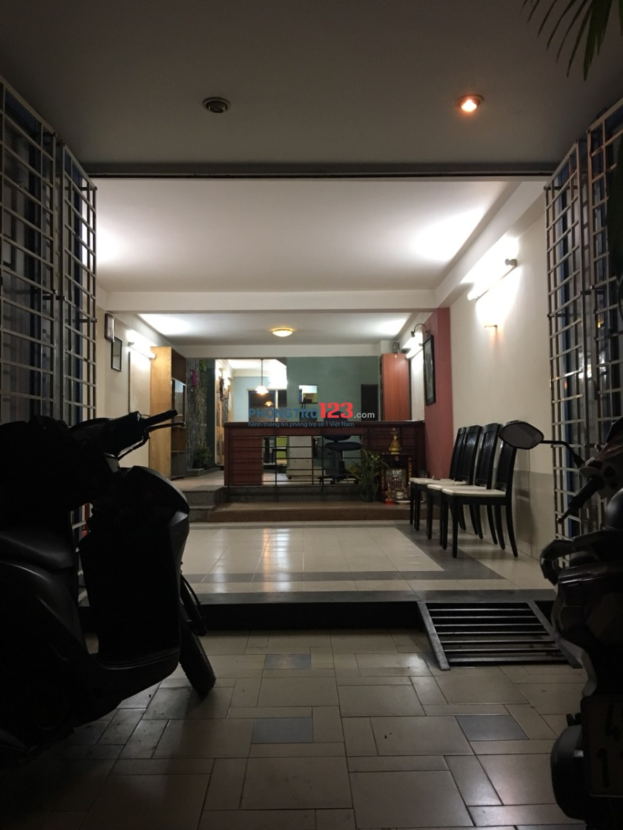 Phòng trọ full nội thất Quận Tân Bình gần sân bay, 4.5tr/tháng, có ban công, giờ giấc tự do, an ninh