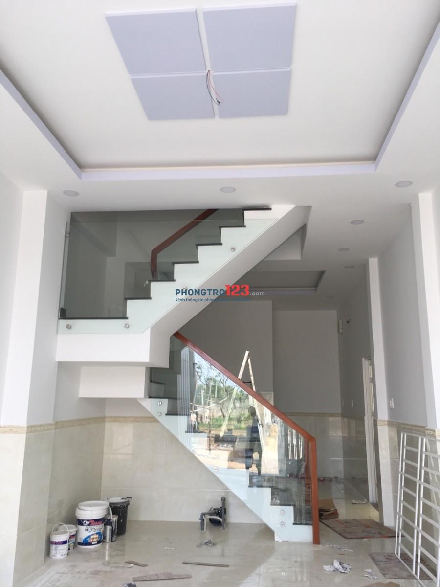 Cho thuê nhà nguyên căn 1 lầu hẻm 6m tại Bến Lội, Q.Bình Tân. Giá 8tr/th