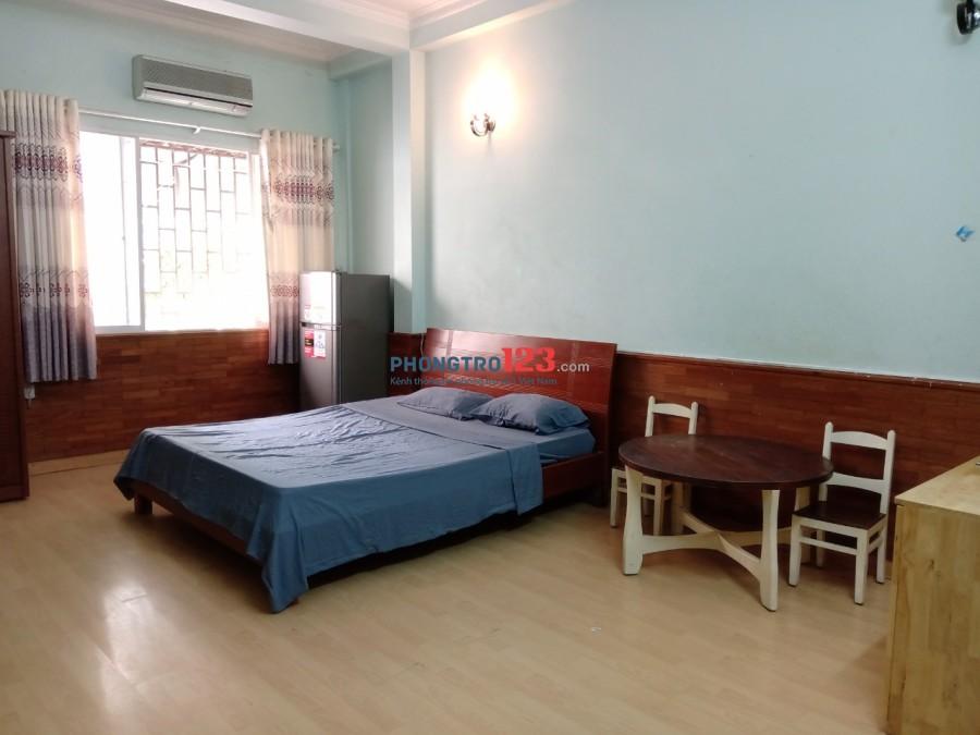 Phòng cho thuê đường D2 sạch sẽ tiện nghi nhà nguyên căn