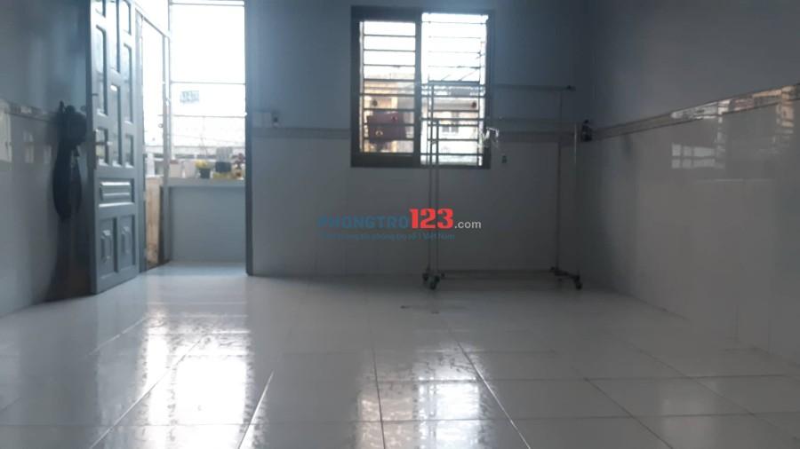 Nhà nguyên căn 70m2 hẻm rộng an ninh gần Q5 và Q7