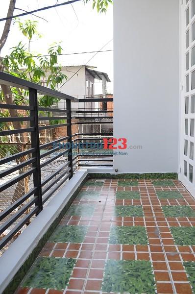 Cho thuê phòng Phú Nhuận ban công full nt free DV, 30m2, có chỗ nấu ăn, giờ giấc tự do, ban công cửa sổ thoáng mát