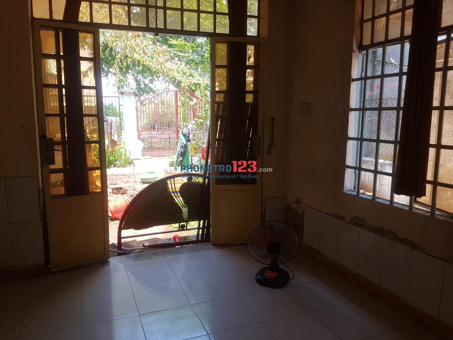 Cho thuê phòng 15m2 gần KTX khu B