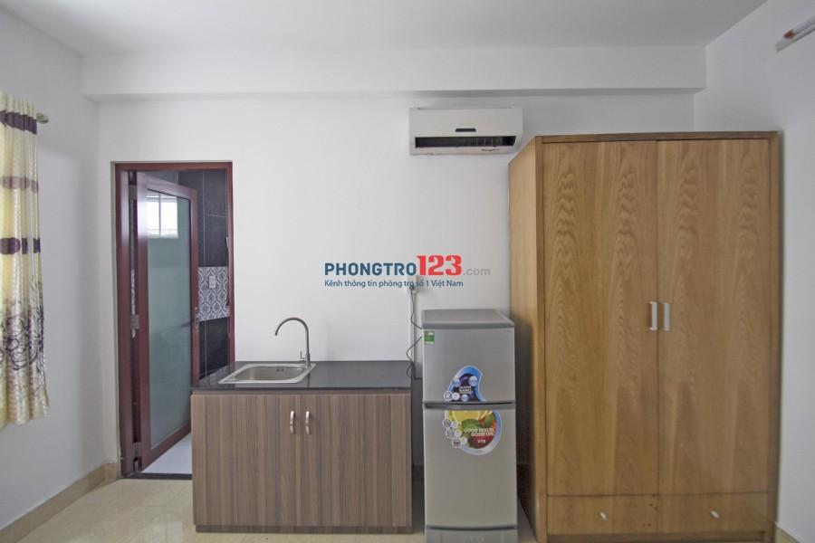 Căn hộ dịch vụ đầy đủ nội thất: tivi, tủ lạnh, máy lạnh,.. gần chợ Bà Chiểu, Q Bình Thạnh