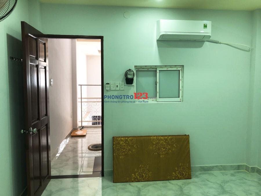 Cho thuê phòng hẻm 8m có máy lạnh Tại Âu Dương Lân Q8 giá 3,2tr/thang LH Mr Tân