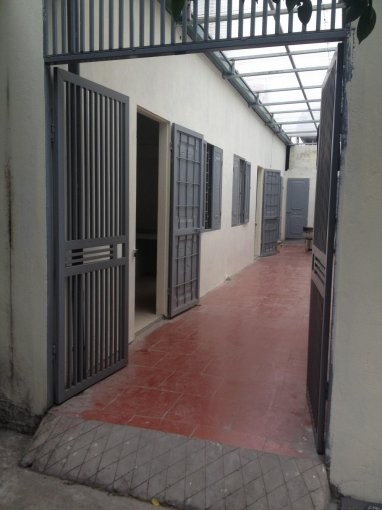 Cho thuê nhà trọ, phòng trọ tại Đường An Dương Vương, Tây Hồ, Hà Nội diện tích 30m2 - giá 2,6tr