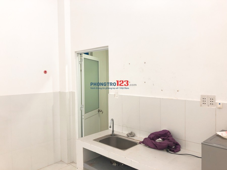 Cho thuê phòng Full tiện ích ngay trung tâm Q7 Đường Trần Văn Khánh LH Ms Trân 0918316788